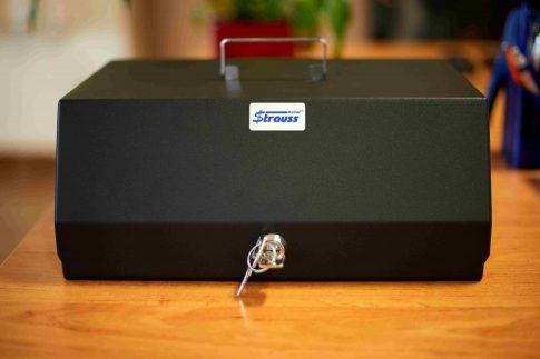 Kiskassza érmetálcával (KET) - Zárható, hordozható kassza érmeszortítozóval